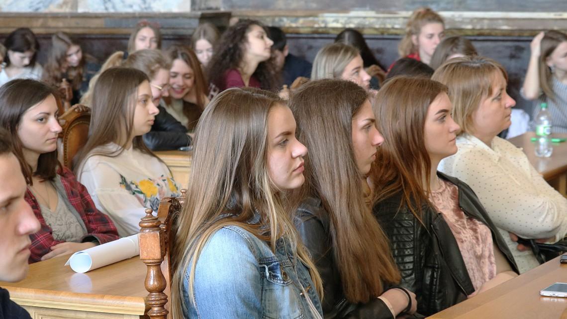 Студенти в актовій залі Львівської політехніки