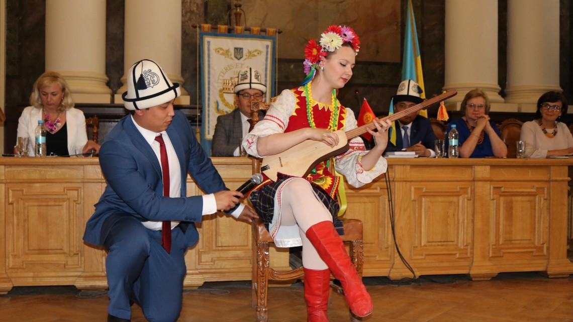 Марія Наумова дивує публіку