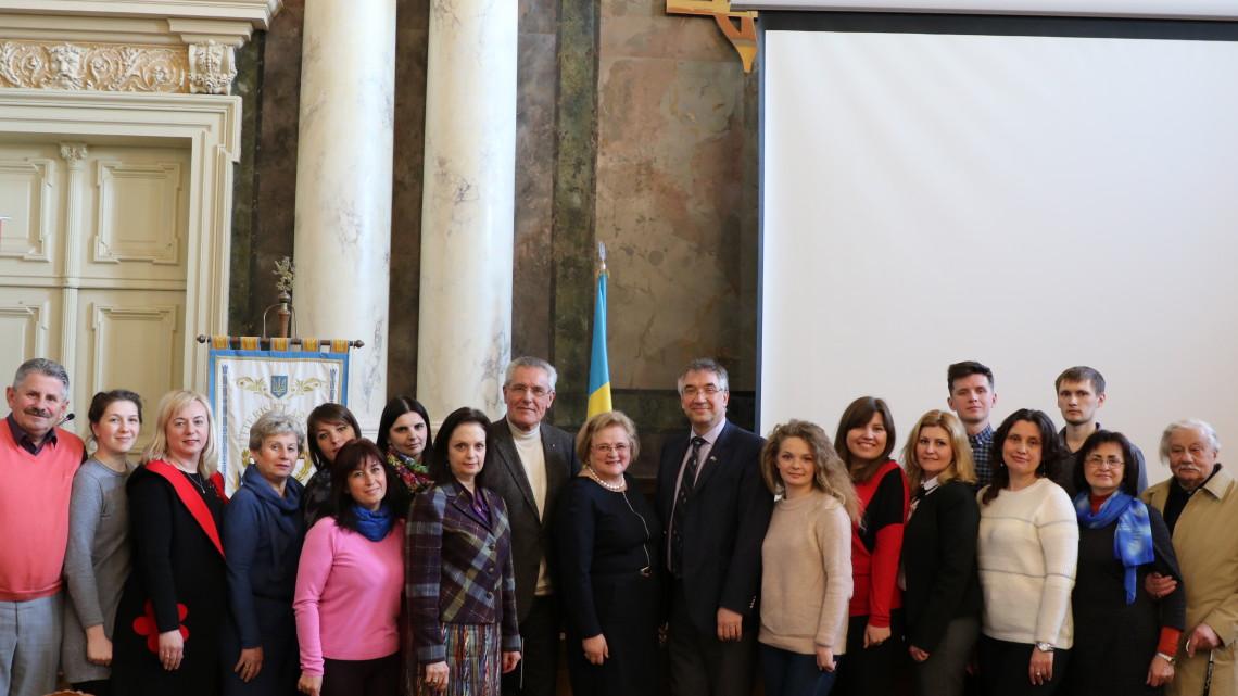 Колектив МІОКу з Послом Канади та ректором Львівської політехніки