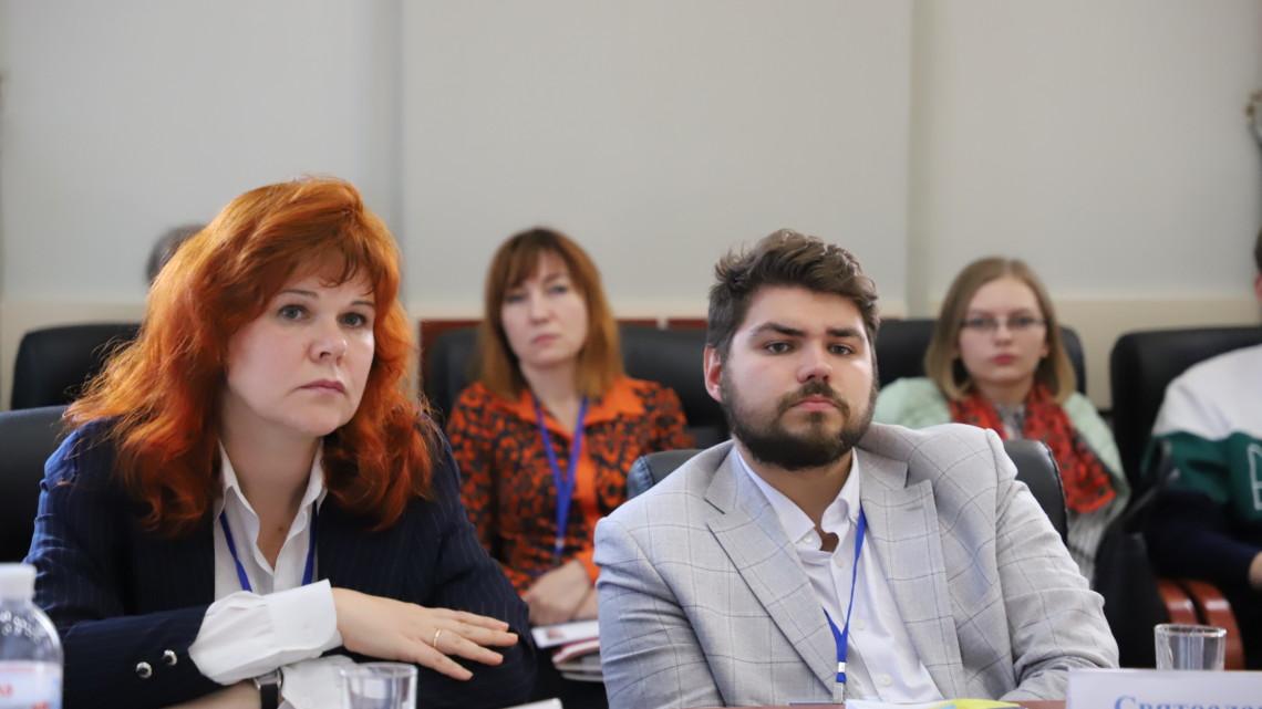 Ольга Котик та Святослав Каліщук на панельній дискусії