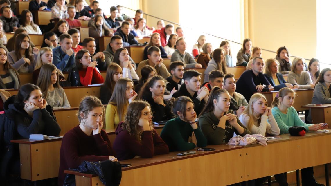 Студенти Львівської політехніки на зустрічі з Аскольдом Лозинським